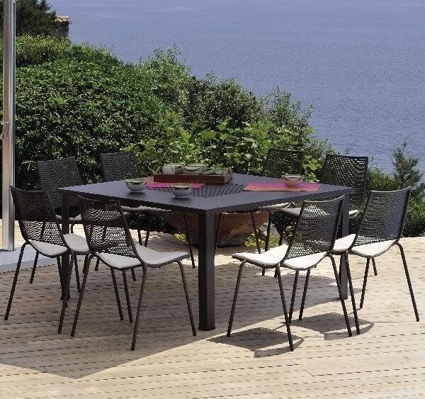 ala-150-sedie-in-metallo-verniciato-nero